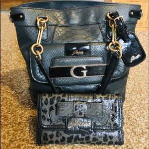 Cute Leather Guess Purse w/ Wallet